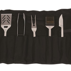 BA2011 - Includes spatula, tongs, fork, knife and cleaning brush in chef's roll